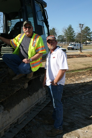 Weaver Bailey Construction taps latest GNSS machine technology forhighway widening project.