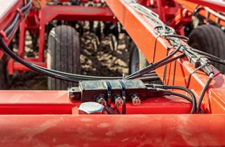 Using new control technology, this South Dakota farm takes tillage to the next level.