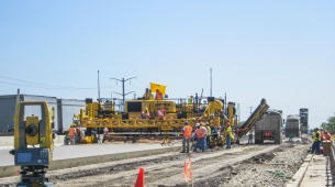 Topcon stellt Robotik-System für Betonierarbeiten vor